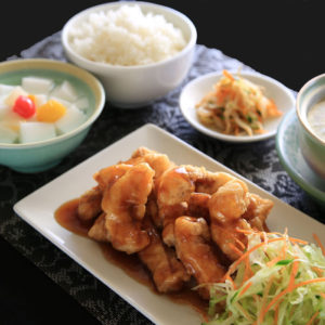 黒酢魚定食 980円