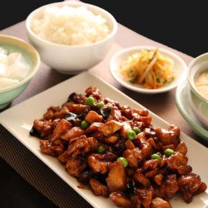 鶏肉の味噌炒め定食 980円